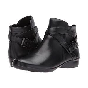 Black Naturalizer Cassandra Leather Booties 6WW